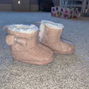 Babygirl pink furry boots